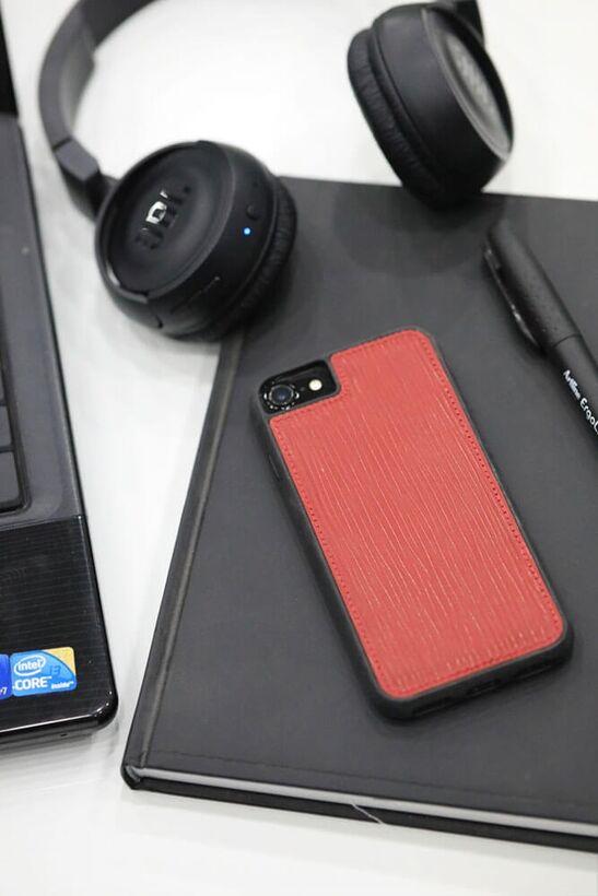 Guard - Guard iPhone 6 / 6s / 7 için Kırmızı Yol Desenli Deri Telefon Kılıfı