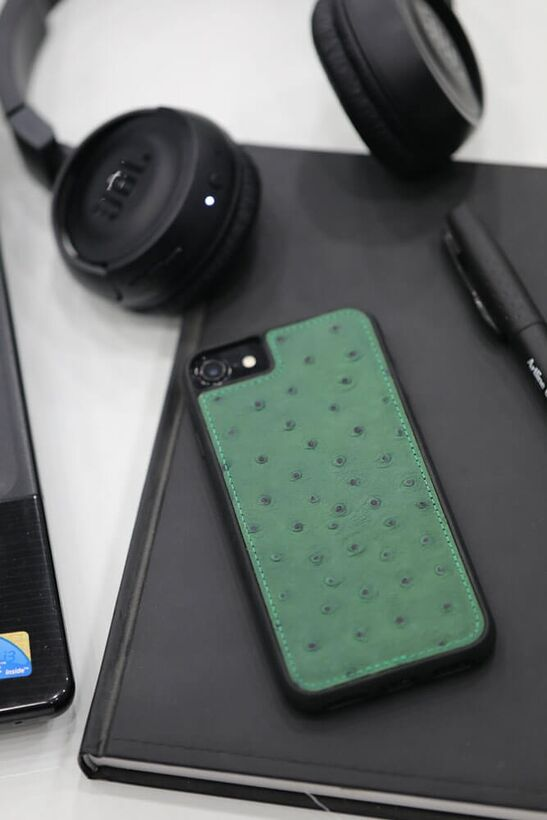 Guard - Guard iPhone 6 / 6s / 7 için Yeşil Deve Kuşu Model Deri Telefon Kılıfı