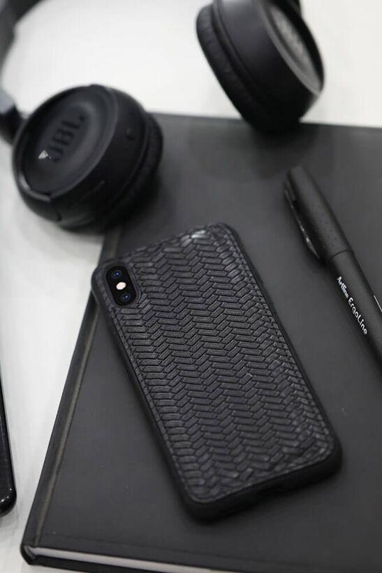 Guard - Guard Siyah Örgü Desen Deri iPhone X / XS Kılıfı